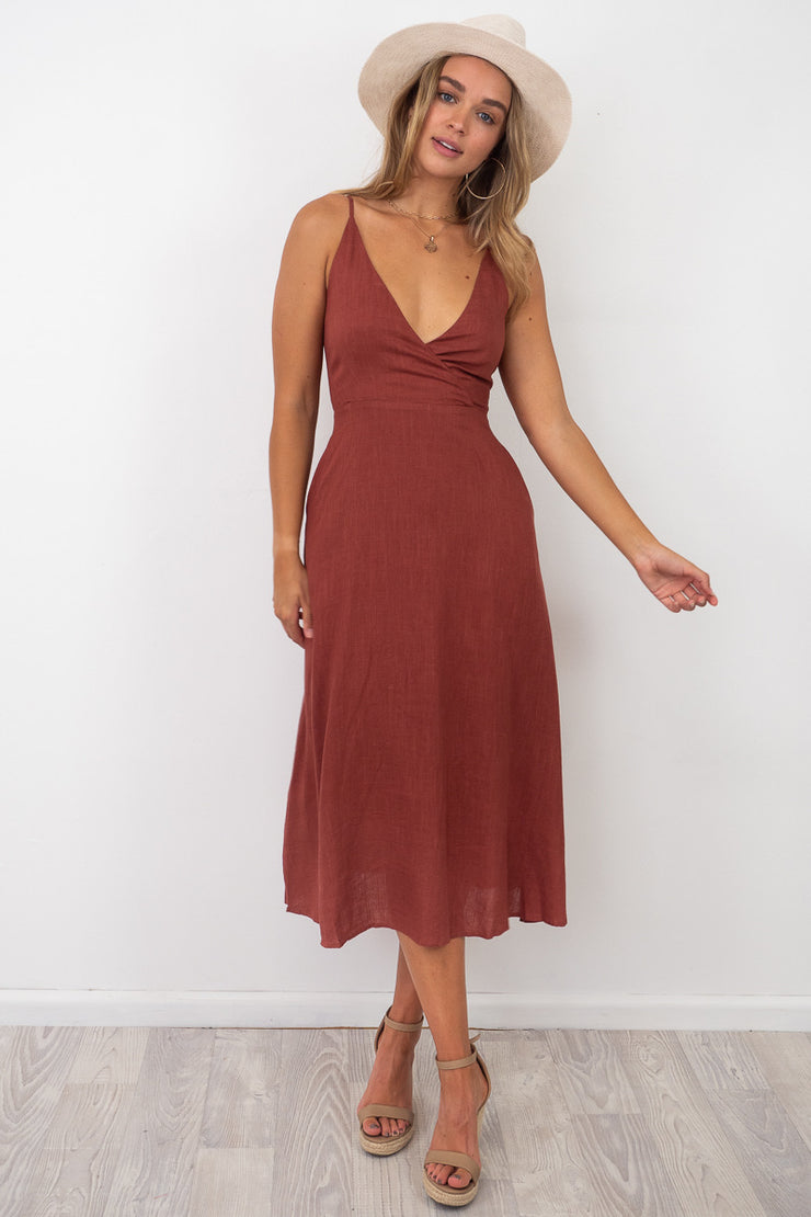 Skyla Maxi Tie Back Dress In Rust