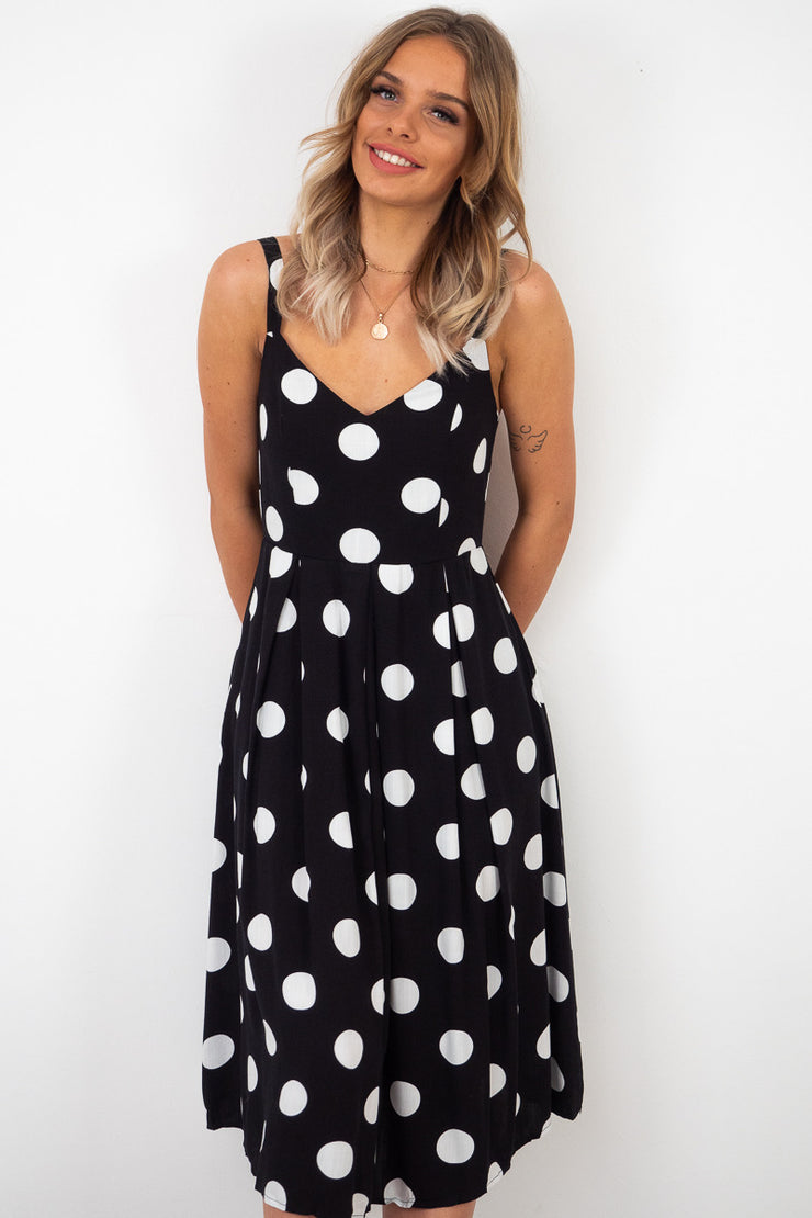 Summer | Black And White Polka Dot Dress With Pockets