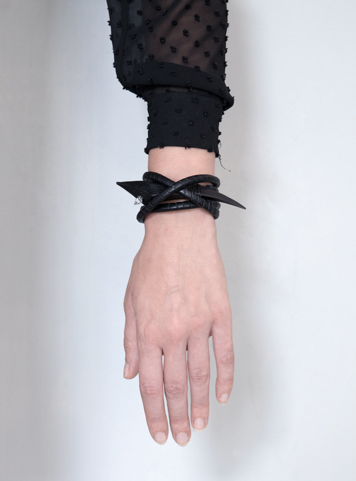 BRAIDED CLAW CUFF