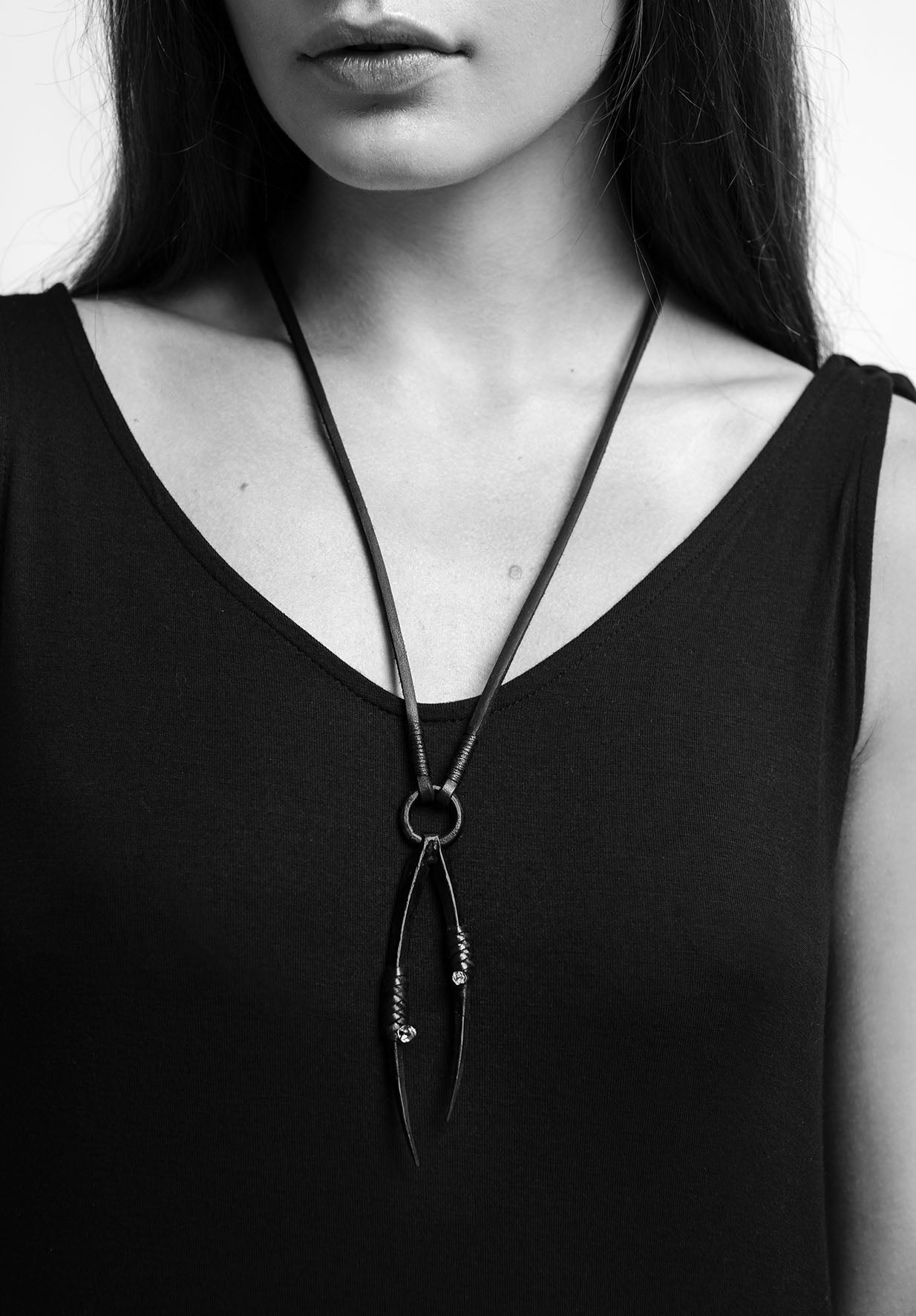 PEDIPALP NECKLACE BLACK