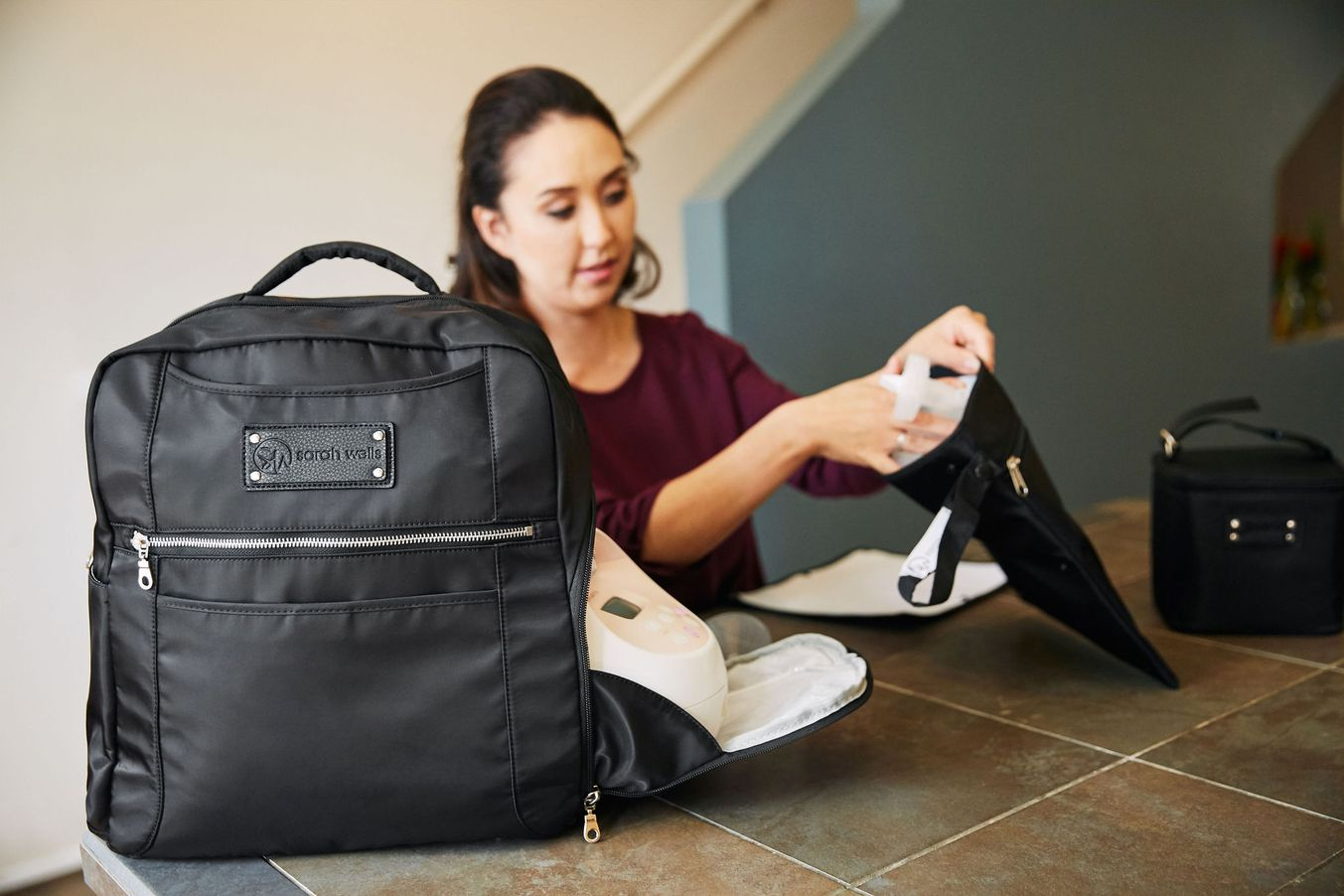 Sarah Wells Breast Pump Bag (Kelly-Anniversary Black)