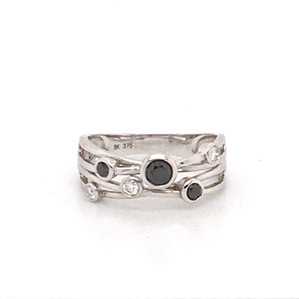 9CT WG RING WITH BLACK & WHITE DIAMONDS