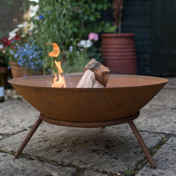 Wakehurst Collection Steel  Outdoor Fire Pit with Stand - Rust Finish - Gardenesque