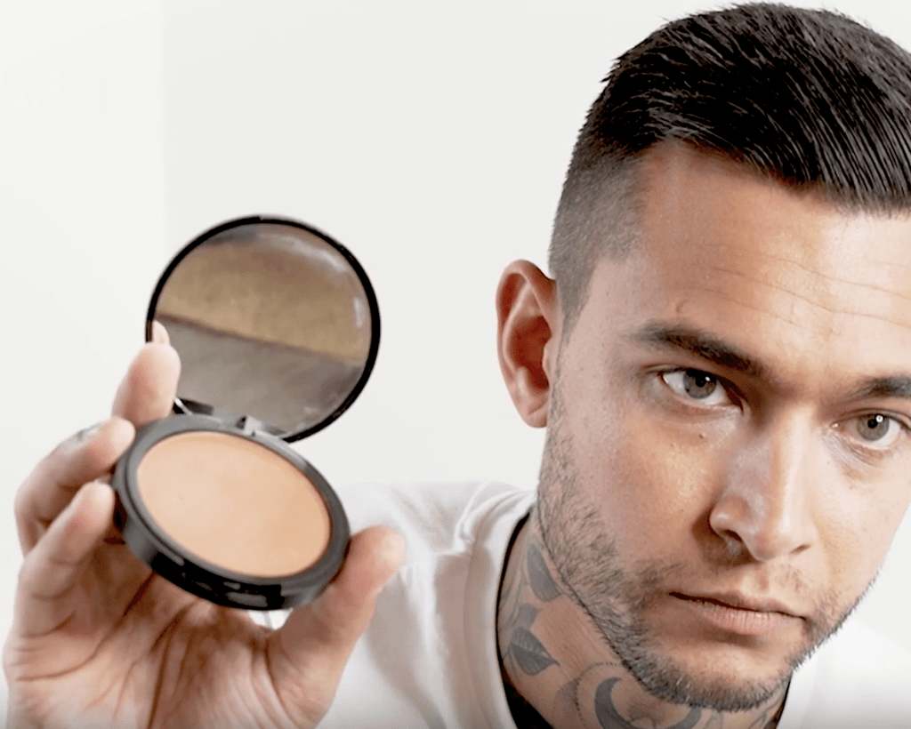 How Can Men Wear Bronzer?