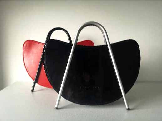 Iconic bag with metal handles