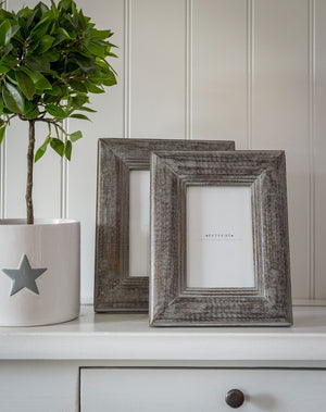 Grey Wood Bevelled Frame 6 x 4