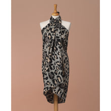 Load image into Gallery viewer, Sarong Pareo Leopard print Grey and pink color