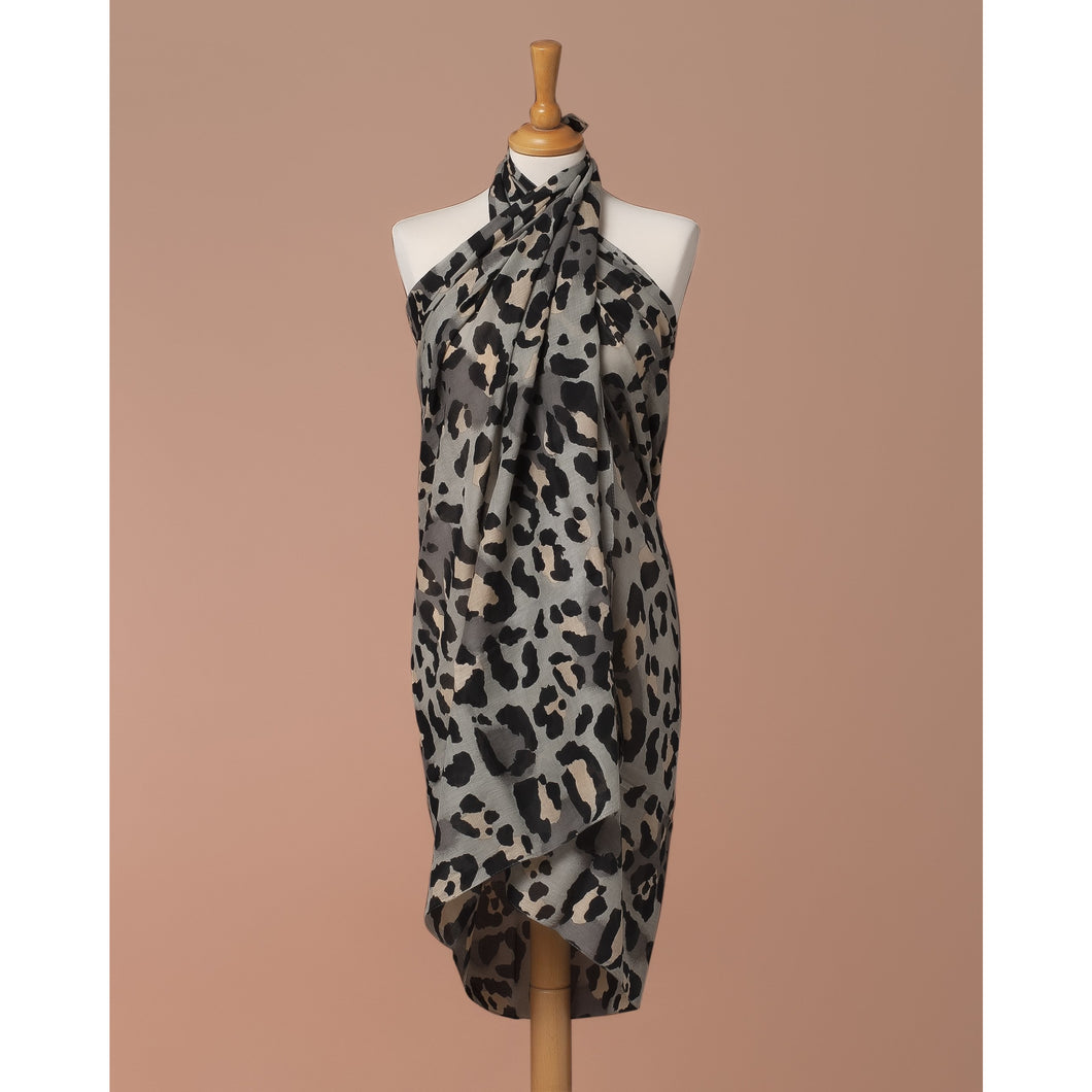 Sarong Pareo Leopard print Grey and pink color