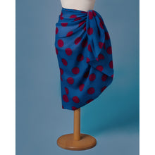 Carica l'immagine nel visualizzatore di Gallery, Sarong Pareo blue color with red dots printed all over