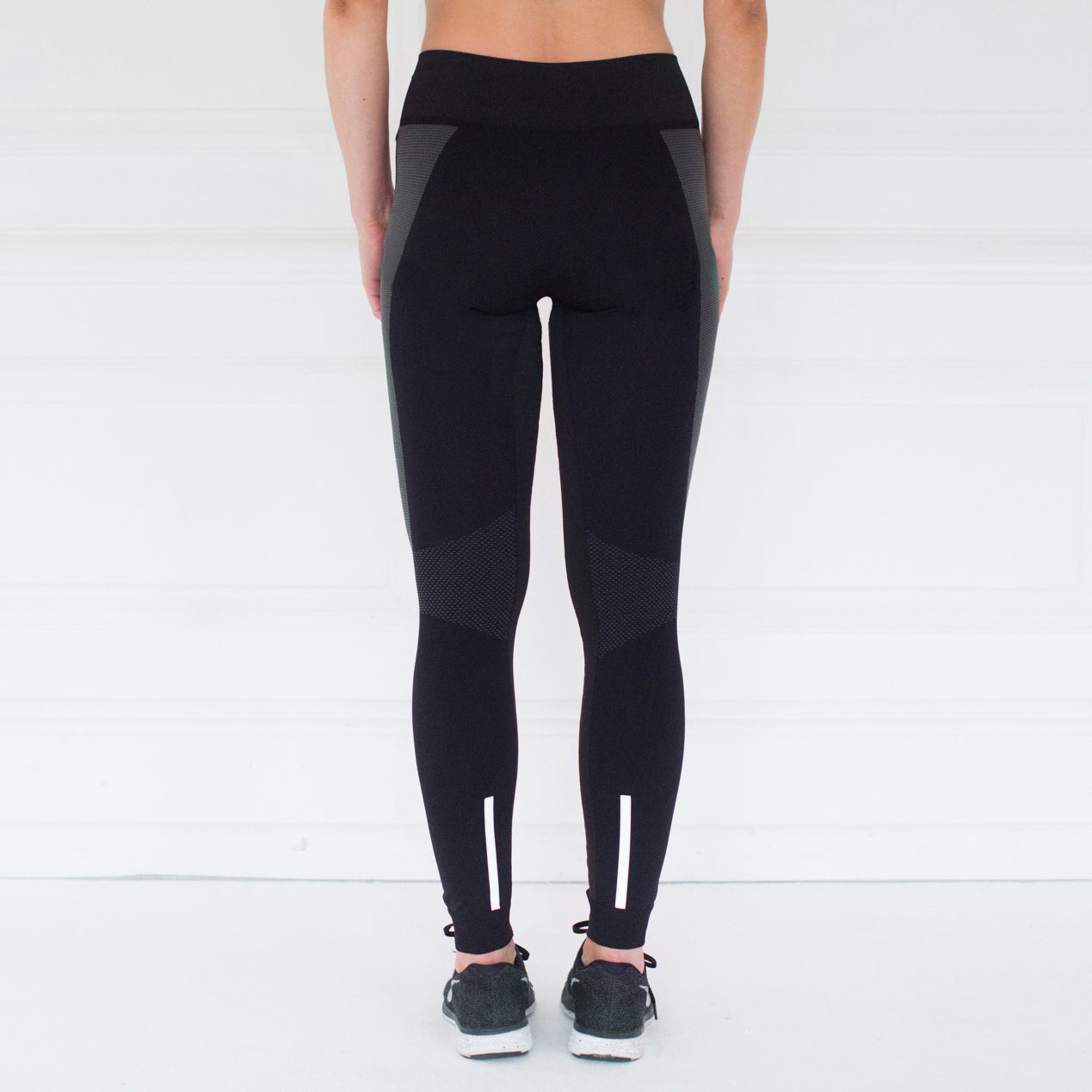 Seamless Full Length Sensation Leggings  – Black / Grey