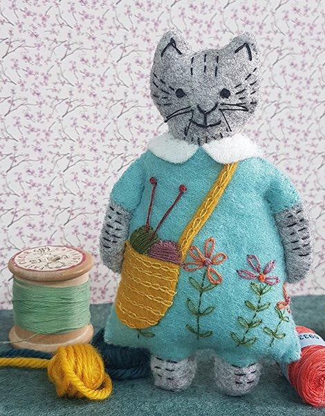 Mrs Cat Loves Knitting Felt Craft Kit, Corinne Lapierre