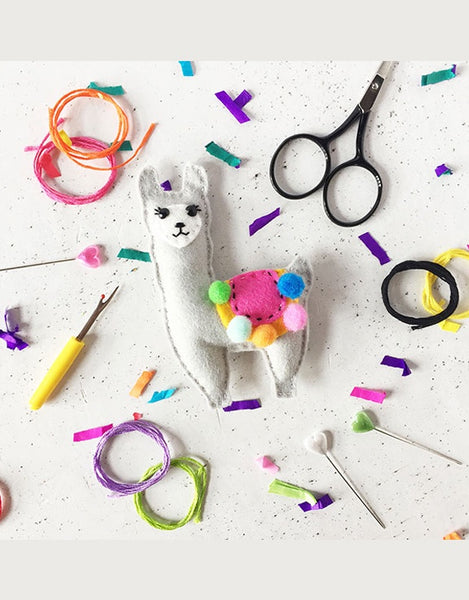 Lenny Llama Felt Sewing Kit, The Make Arcade