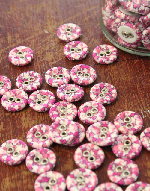 Liberty Print Laundry Buttons x 10 Small, Pepper Pinks