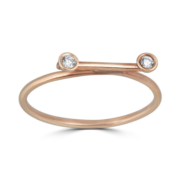 horizontal line and diamond bezels ring