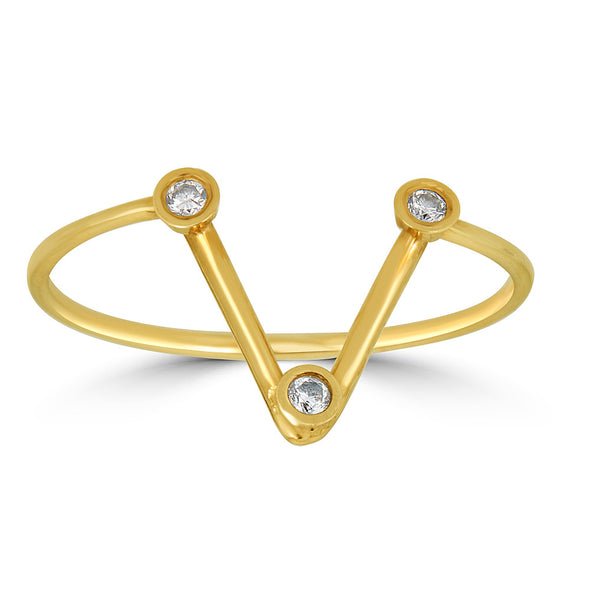 V shaped triple diamond bezel ring yellow gold