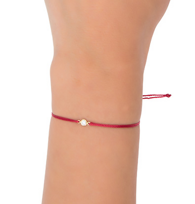 Le Basic Bezel Red string Bracelet