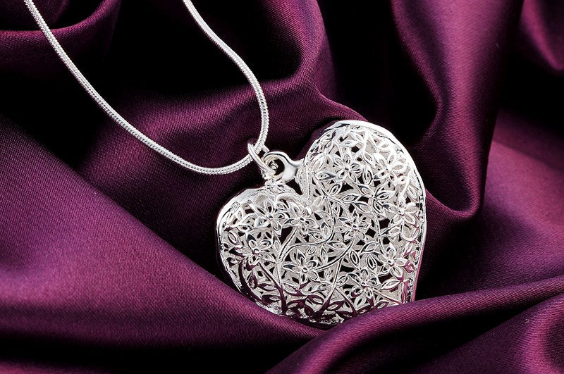P218 Wholesale Free shipping fashion silver plated jewelry elegant charm retro exquisite hollow heart pendant necklace Kinsle