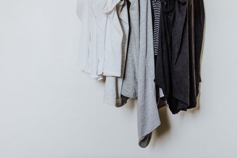 capsule closet, clothing, minimalist wardrobe