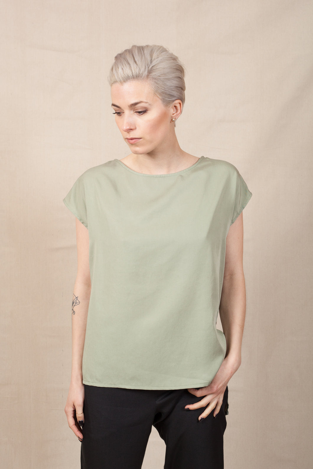 THE CLASSIC TANK - Sage Green