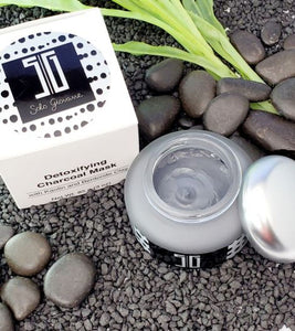 SG Detoxifying Charcoal Mask