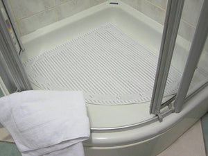Isagi Antimicrobial - Slip Resistant Quadrant Shower Mat