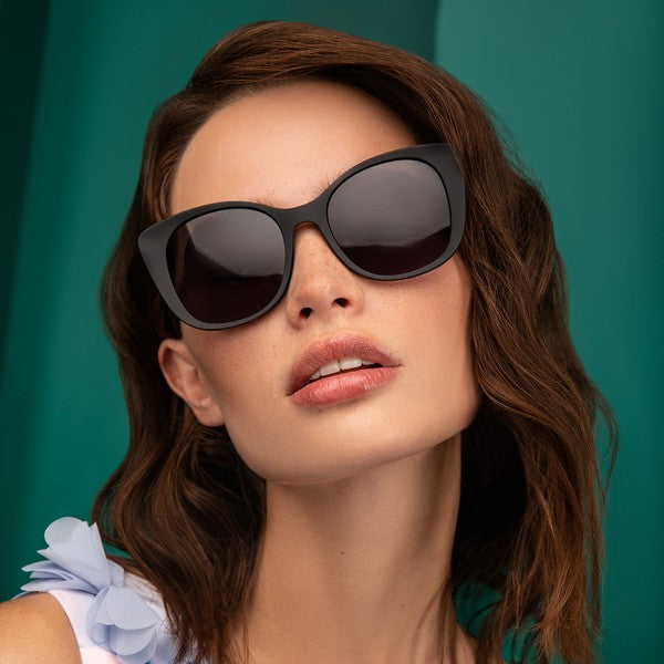 LARGE BLACK CAYEYE SUNGLASSES