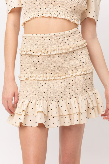 This mini skirt is a must-have this season doll. Featuring a polyester material with a frill hem and a mini length, we are obsessed. Team this with a crop top and fresh kicks to update your off-duty look. 100%Polyeste