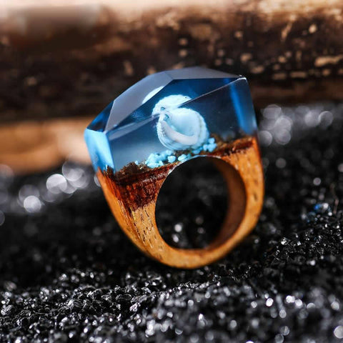 Quanta - Blue Seashell Resin Ring