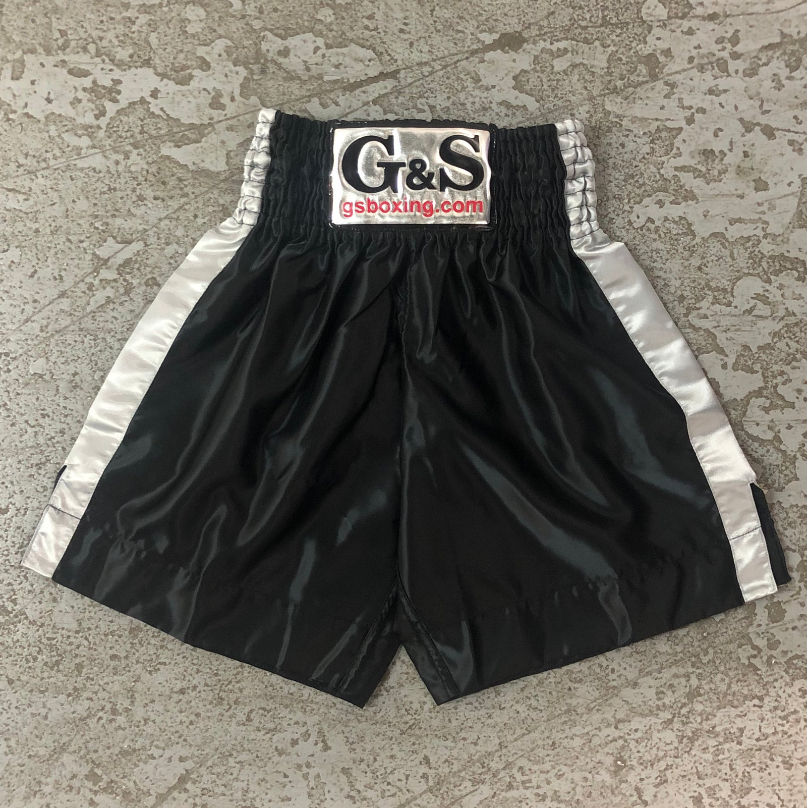 Throwback Fight Trunks - Black with Grey Stripe