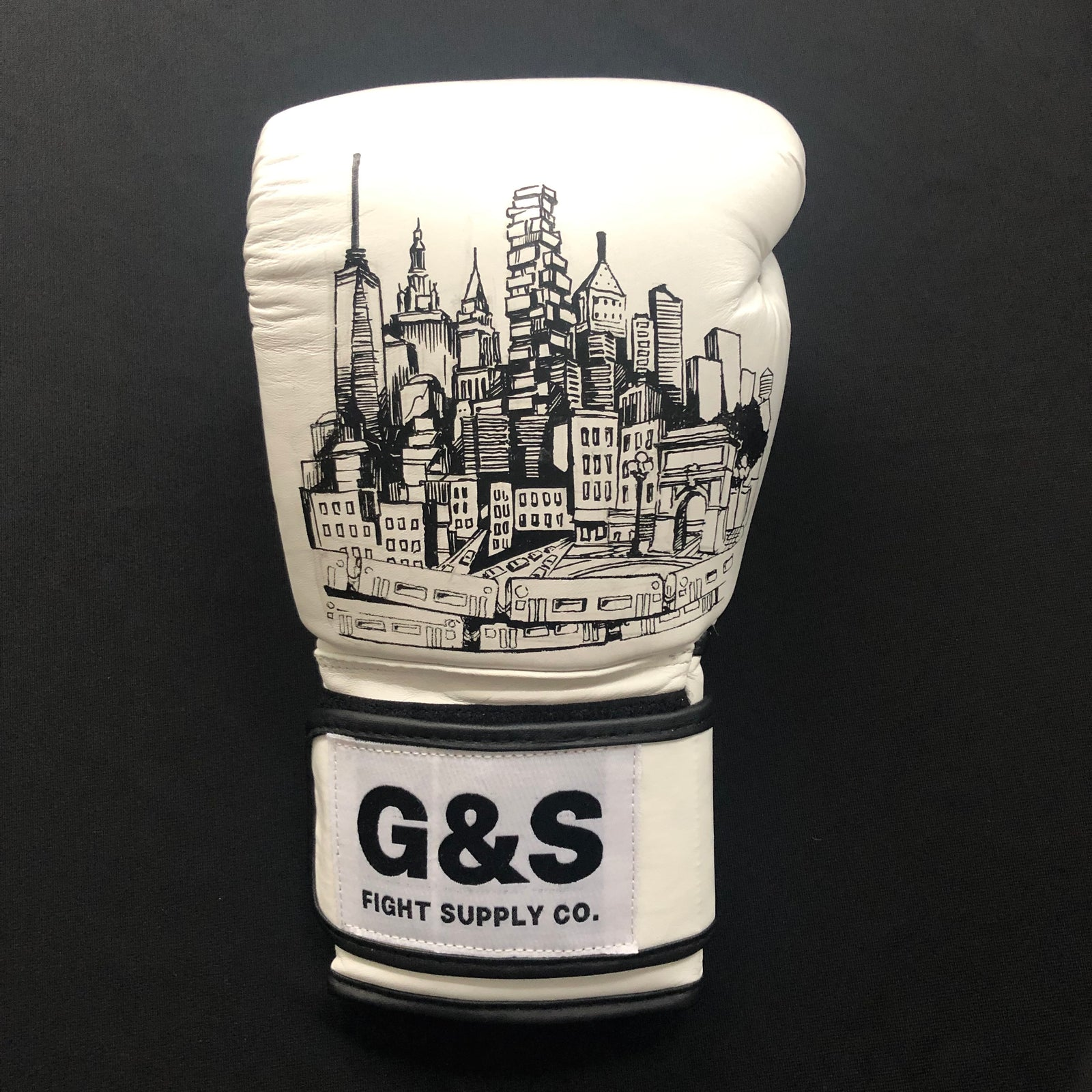 Limited Edition New York Landmarks White Leather Gloves