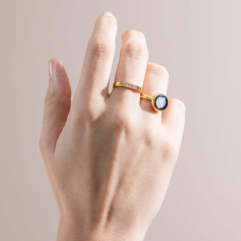 Mini Simplicity Moon & Engravable Ring Set in Gold