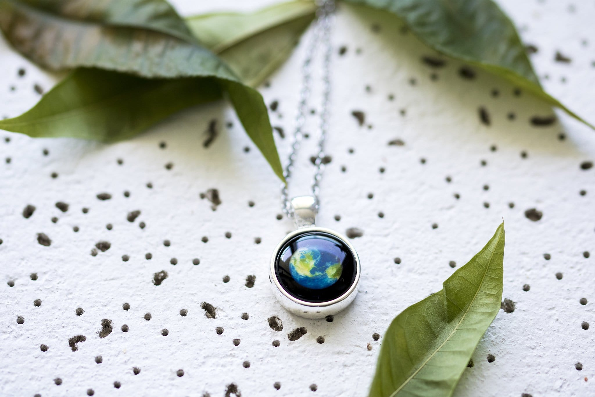 Earthglow Necklace in Silver