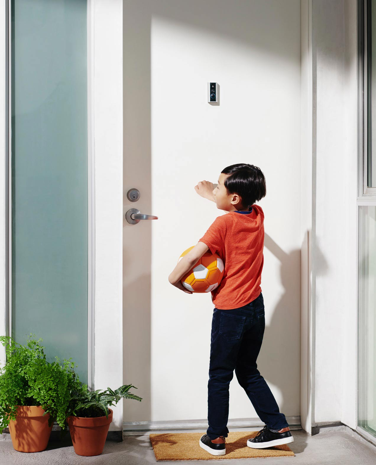 Peephole Cam detects door knocking so you never miss a visitor.