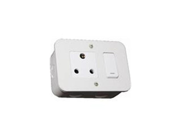 VMC221WT Single Industrial Socket 16A