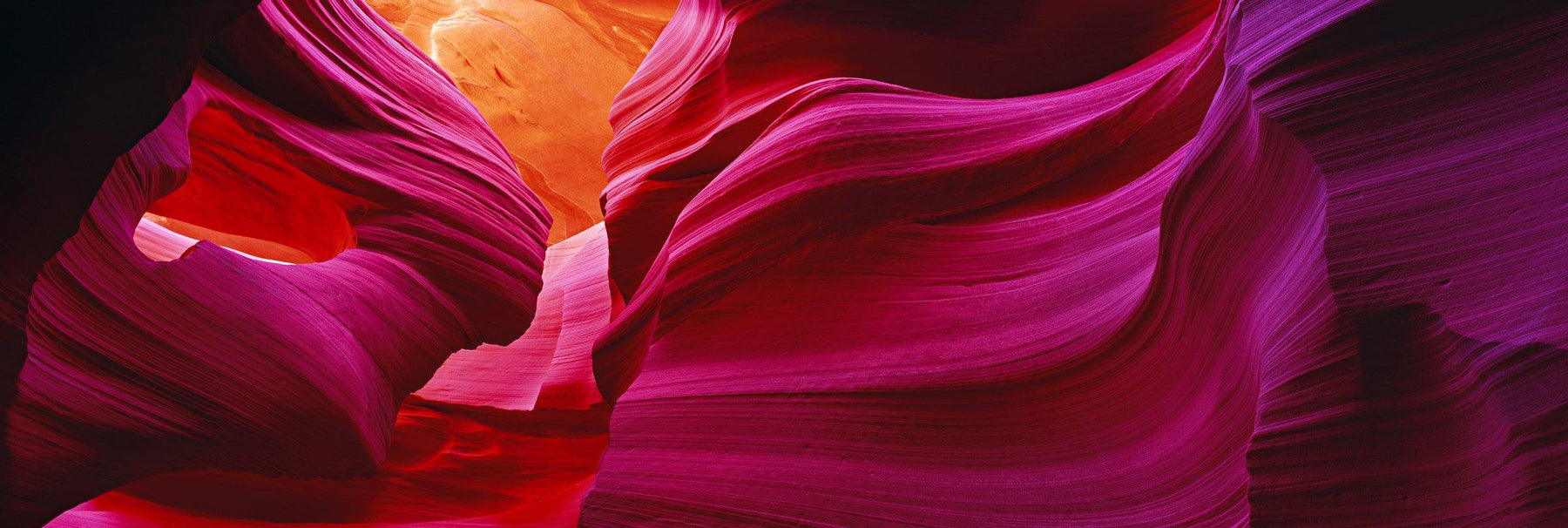 Flowing sandstone walls of the slot canyons in Antelope Canyon Arizona
