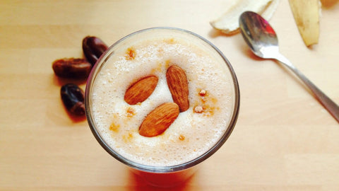 Almond and Date Smoothie