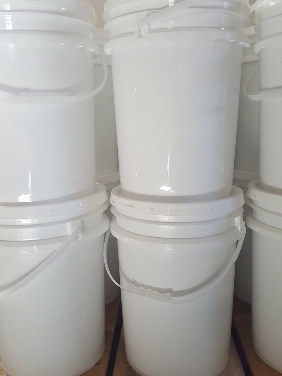 Bulk Alberta honey 5 Gal pail pure raw fresh for sale