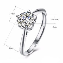 Glamour Solitaire Ring