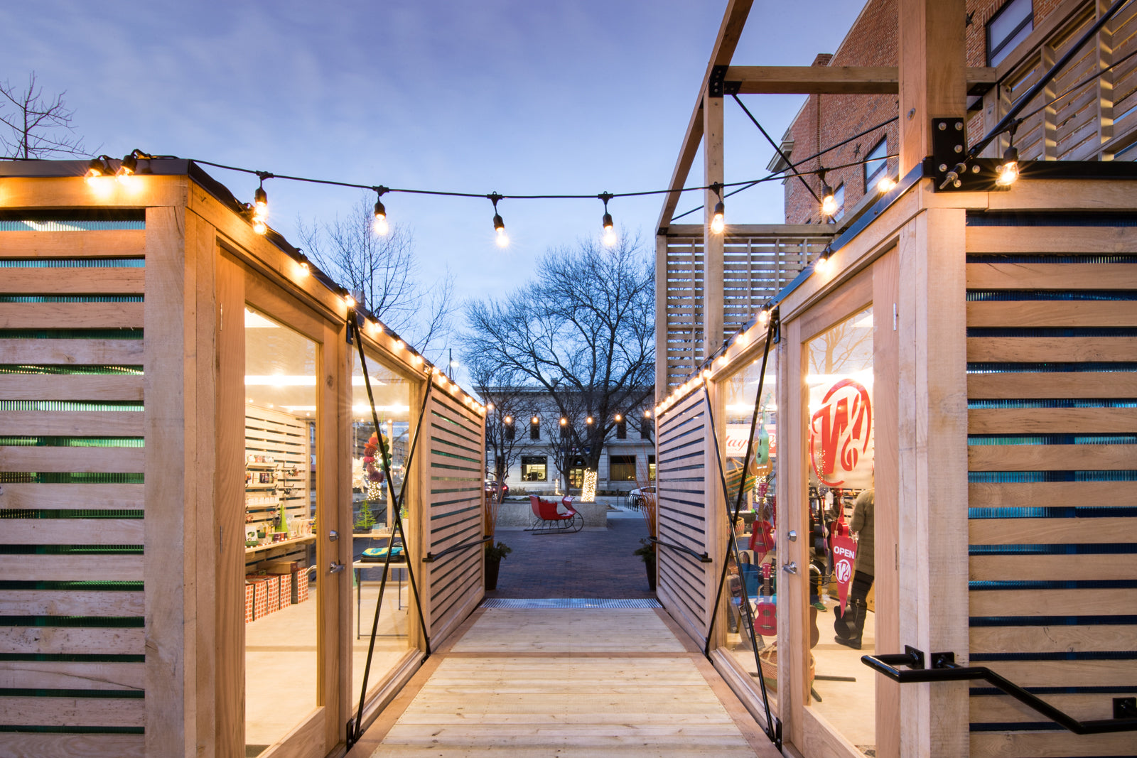 Downtown Iowa City Pop-Up Shops