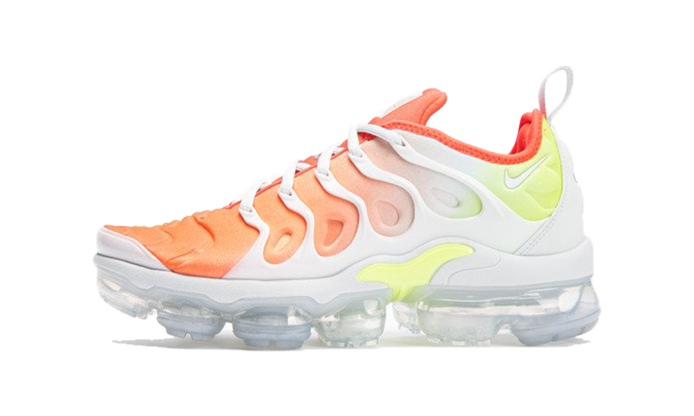 Nike Sportswear VAPORMAX PLUS - Trainers - phantom/crimson tint/total orange