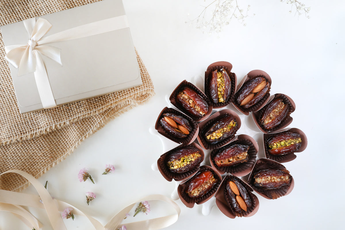 25 Stuffed Dates Party Tray