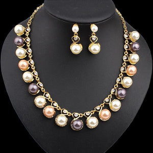 Fashion Pearl Necklace Diamond Earrings