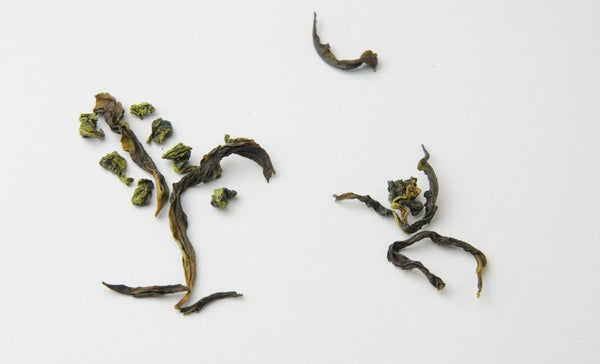 Tea art depicted by the 4 classes of oolong teas