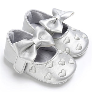 Genuine Leather Heart Embroidery Baby Moccasins Shoes - Chilly Baby