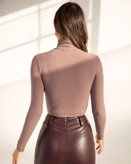 TURTLE NECK BODYSUIT IN BROWN