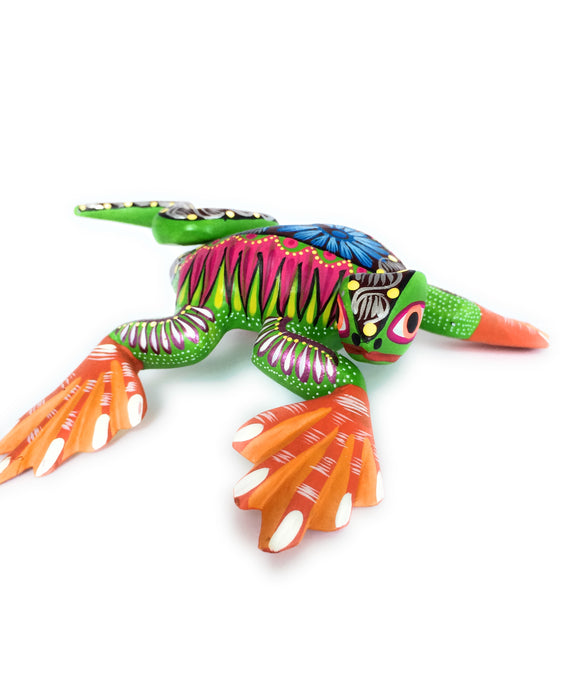 Lizard Iguana Oaxacan Alebrije Wood Carving Folk Art Sculpture Painting