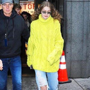 Gigi Hadid Take Fashion Week Disco Curls for a Daytime Spin