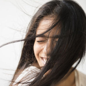 4 Simple Ways to Straighten Your Hair Naturally, Without Heat