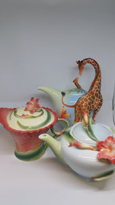TEAPOT - Pearl  (Giraffe, Butterfly, Lily) Assorted