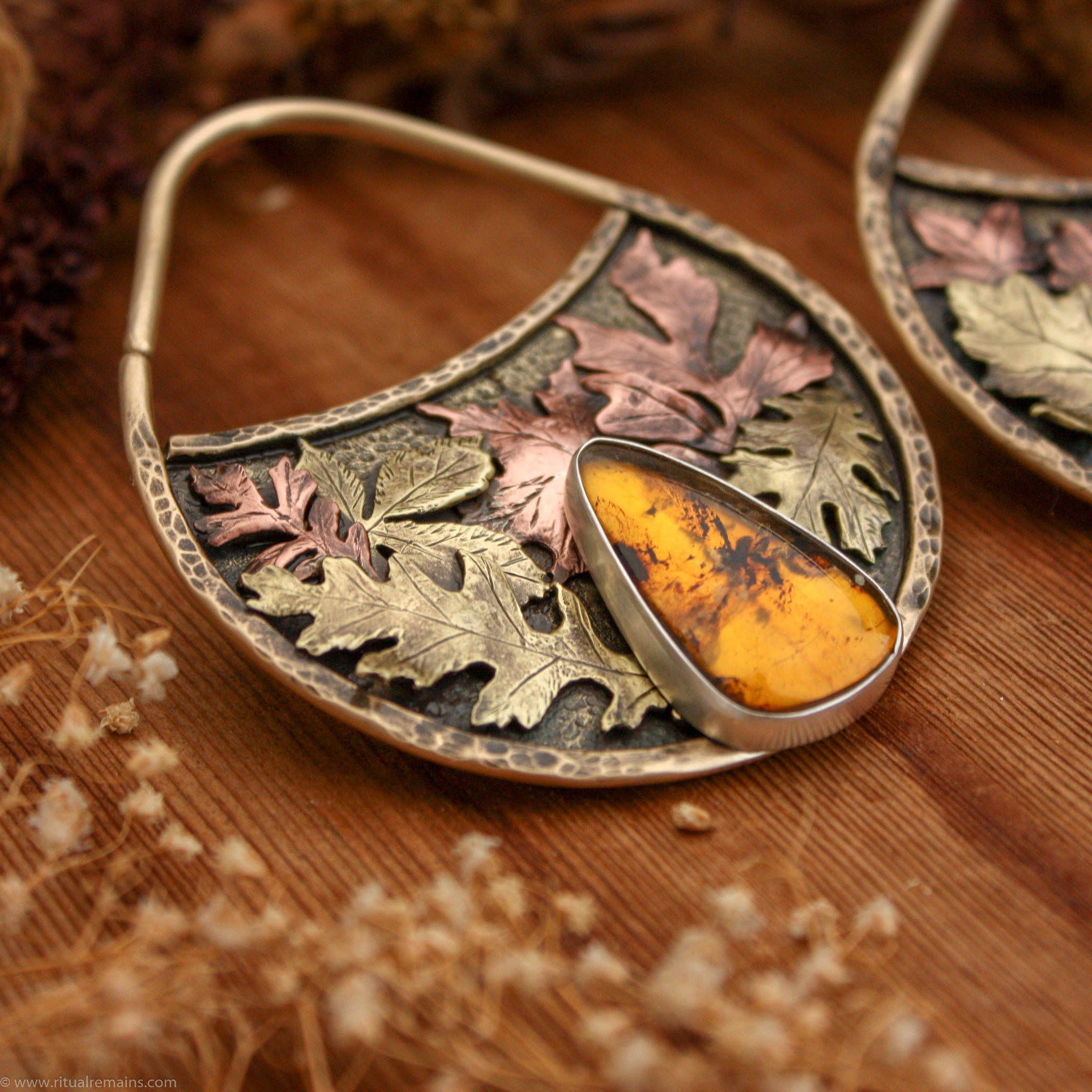 Autumn Leaves 10 Gauge Mixed Metal Ear Weights with Amber